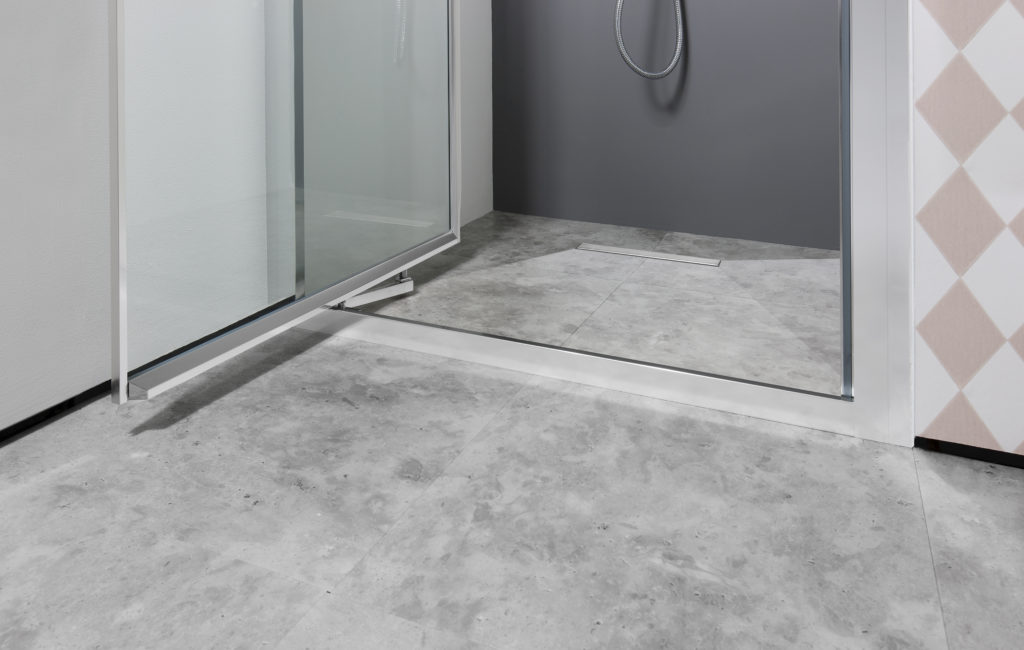 Access Tray for a wet room