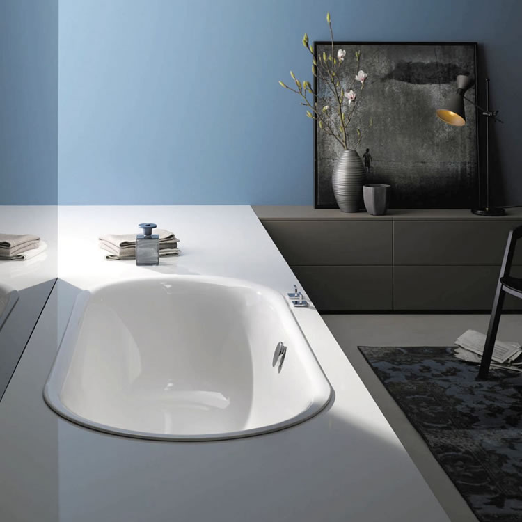 Photo of Bette Starlet Flair Oval Bath 1880 x 880mm Double Ended Bath Lifestyle Image