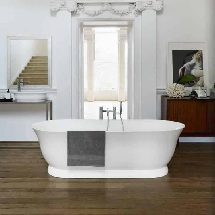 Clearwater Florenza Clear Stone Freestanding Bath Lifestyle Image