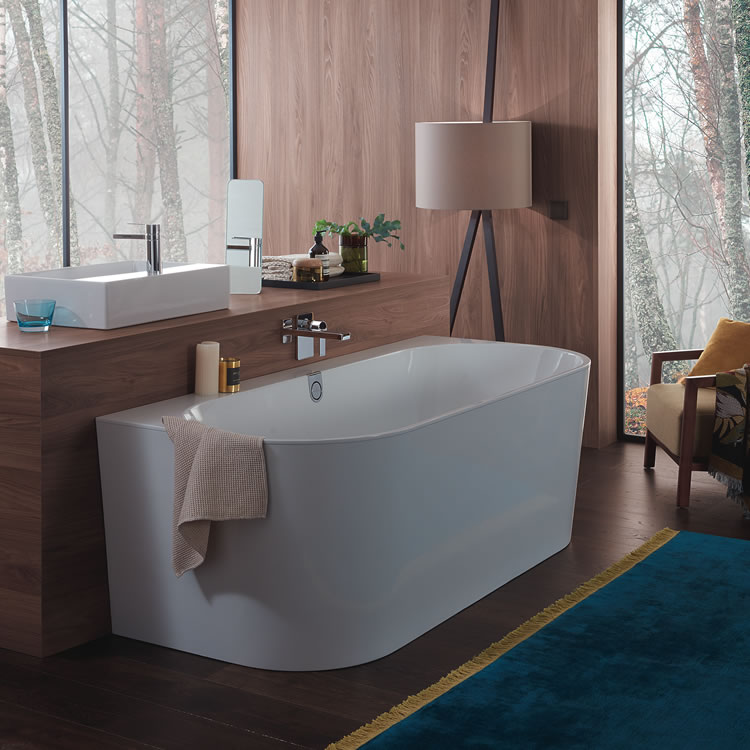 Lifestyle Photo of Villeroy&Boch Oberon Duo 1800 x 800mm Back to Wall Bath